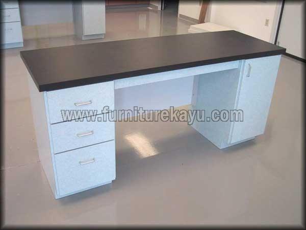 Furniture Kantor Meja Kerja Duco Putih To Salak