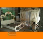 Desain Set Kamar Tidur Duco Putih Kombinasi Gold Furniture FK KS 125