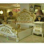 Set Tempat Tidur Ukiran Merah Duco Putih Kombinasi Emas FK KS 288
